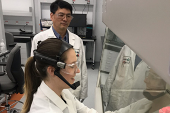 smart glasses in the lab
